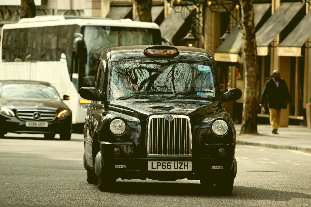 taxi 4166426 1920 everglow